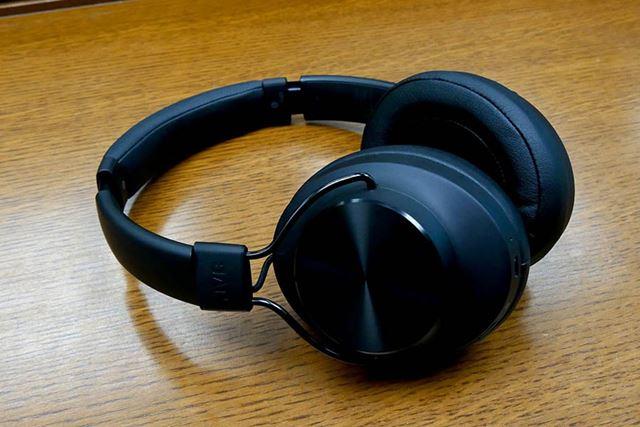 オンイヤータイプのワイヤレスヘッドホン「HA-SD70BT」