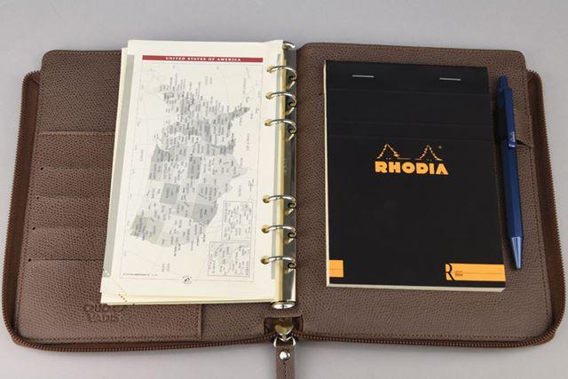 システム手帳の王道ブランド、クラウゼの金具を採用