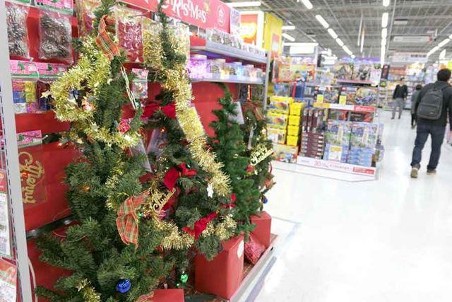 ちなみにクリスマスツリー製品は10月中旬から問い合わせがあるそうです