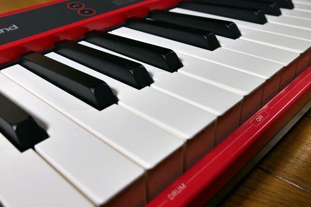 鍵盤がピアノタイプで弾きやすい