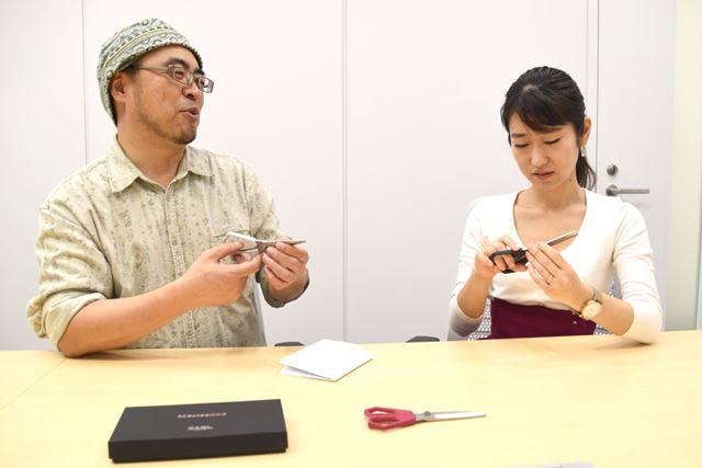 「エクスシザース」が7,000円もする理由を熱弁するきだてさん。菅さんを説得できるか!?