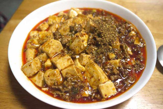 色は赤いですが、思ったほど刺激は強くないです。用意するひき肉と豆腐の量で辛さの調整ができそうです