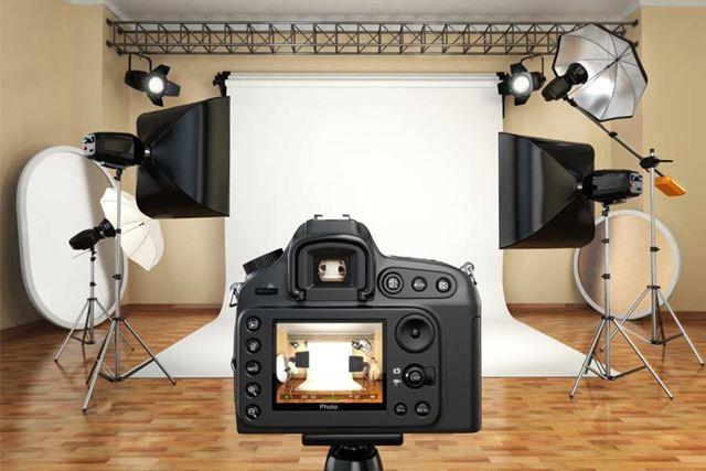 いい写真を撮るためには照明機材は大変重要です