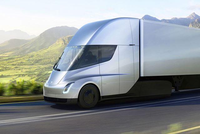 自動運転対応の次世代EVトラック「テスラ セミ」