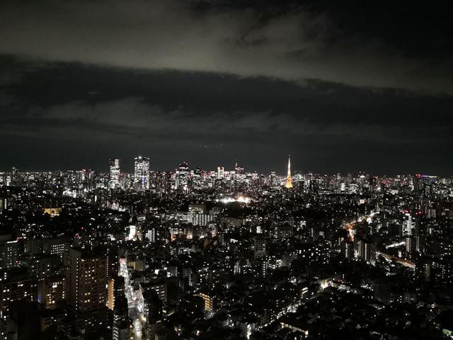 スマートフォンではなかなか難しい夜景の撮影もAI任せで簡単に撮影可能