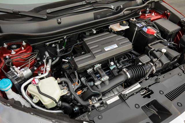 ホンダ 新型「CR-V」北米モデルのエンジンルーム