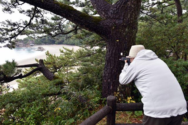 三好先生もカメラを構えて入念なロケハンを実施