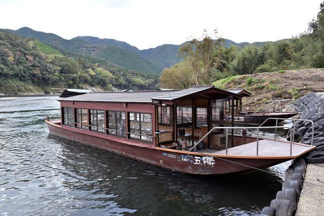 屋形船を貸し切りにして、船上撮影を初体験!