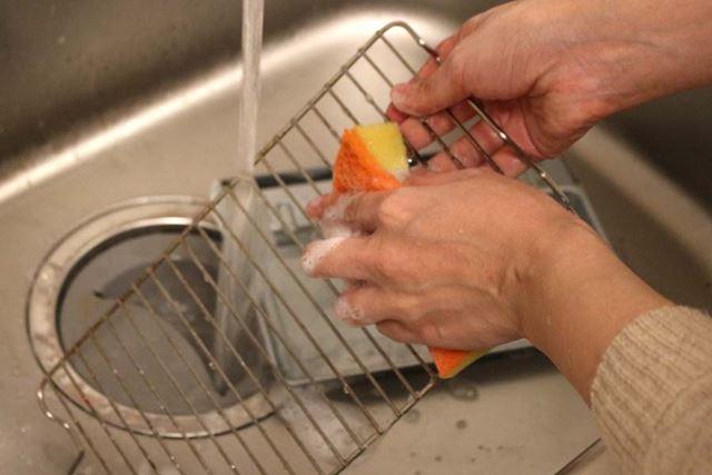 網とトレイは水洗いできます