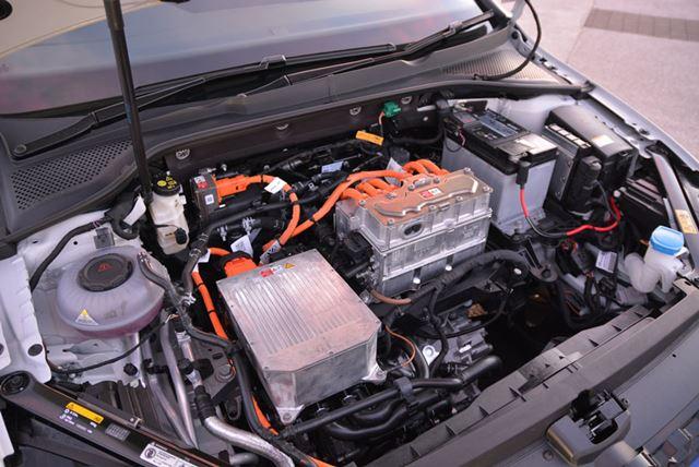 最高出力100kW(136馬力)/最大トルク290Nmのモーターを搭載し、前輪を駆動する
