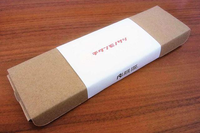 今回の商品は、シンプルな段ボール包装で届きました