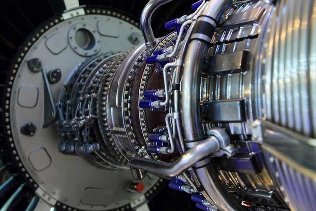 チタンは飛行機の機体やエンジンなどに使われてきました