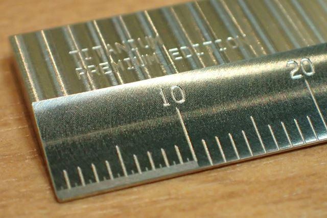 最初の10mmだけ目盛りの部分が少し違うのがわかりますか?