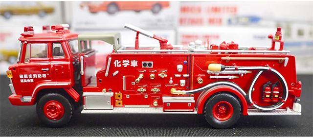 こちらは化学消防車。造形の細かさがすごいです(LV-N36a 日野KB324型化学消防車)