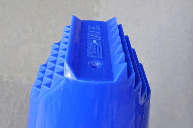 スクレーパー部分のデザインは多彩で、さまざまな氷に対応することができるのがいいです