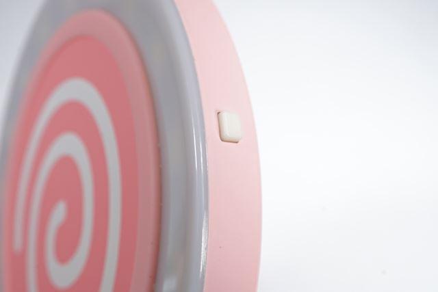 このスイッチを押すとLEDライトが点灯