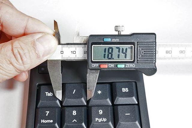 キートップは約19mm。一般的に「フルピッチ」と呼ばれるサイズです