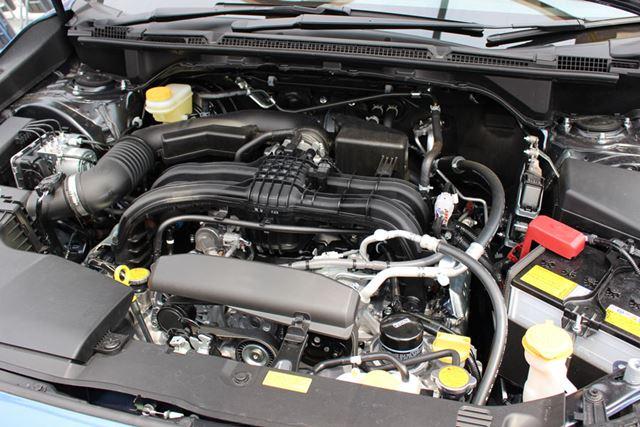 スバル自慢の水平対抗エンジンを搭載。高い悪路走破性も健在だ