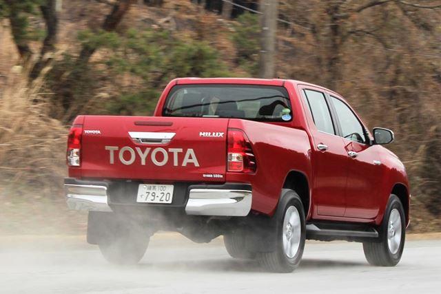 トヨタ 新型「ハイラックス」の試乗・走行イメージ