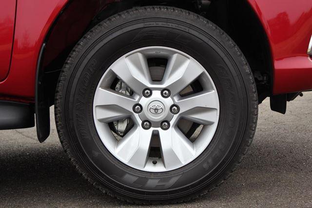 トヨタ 新型「ハイラックス」のホイール&タイヤ