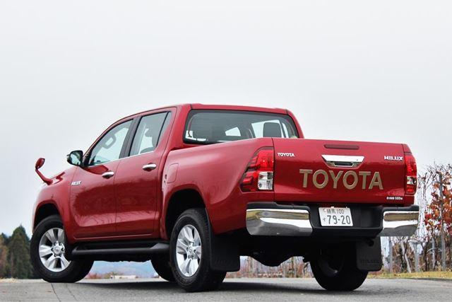 トヨタ 新型「ハイラックス」リアイメージ