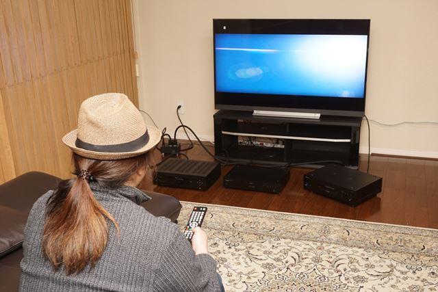 3機種を並べて一斉視聴スタート