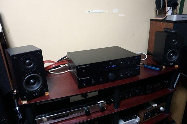 まずは「AM5」と「CD5」を接続し、CD再生時のサウンドからチェック