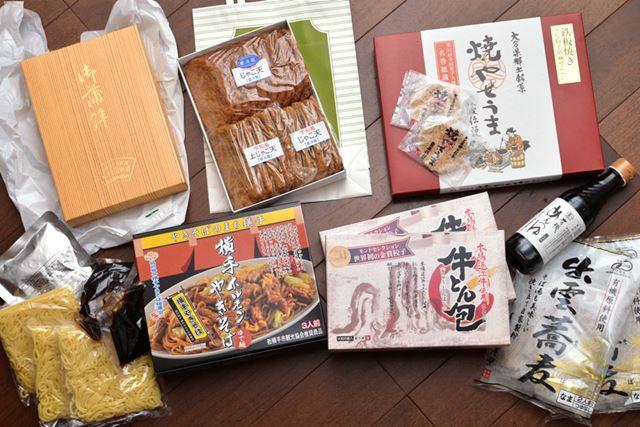 今回購入した5つのご当地グルメ。北は秋田から、南は大分まで、お取り寄せしました