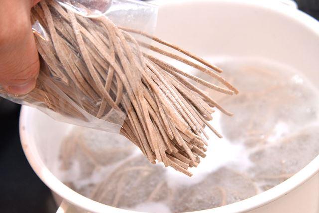 そば粉も小麦粉も、有機原料を使用。なおそば粉の割合は明記されていませんでした