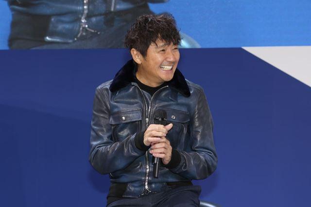 KONDO Racingの近藤真彦監督