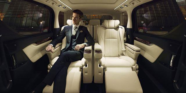 トヨタ 新型「アルファード」「ヴェルファイア」のExecutive Loungeグレードに採用されている「エグゼクティブラウンジシート」