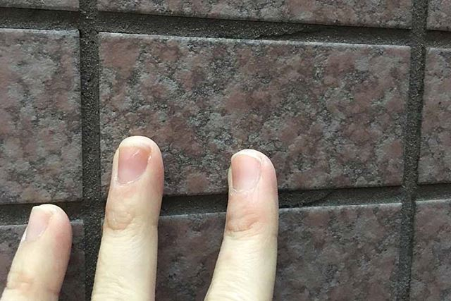 ビルによく使われている壁