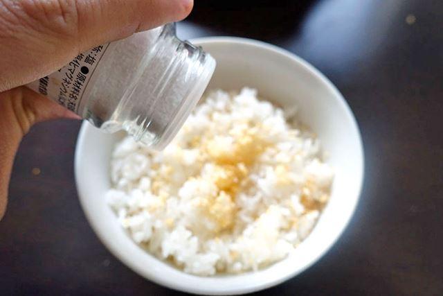 お菓子全般的に、ちょっと塩をかけたほうが、ふりかけとしてはおいしくなると思います