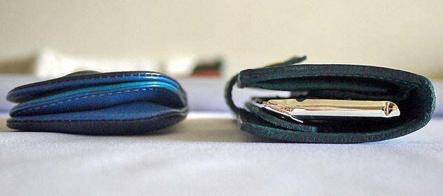 厚みは約2cmと厚く見えるのですが、一般的な小銭入れと比較してもそう大差はありません