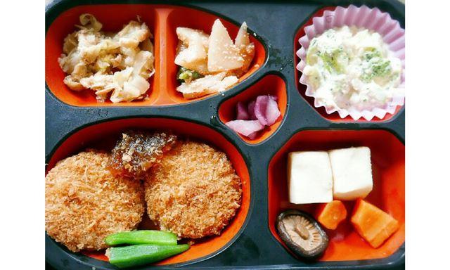 ワタミの宅食のおかずは、低カロリーで素朴な味付けなのでダイエット中や高齢者の方にもおすすめです