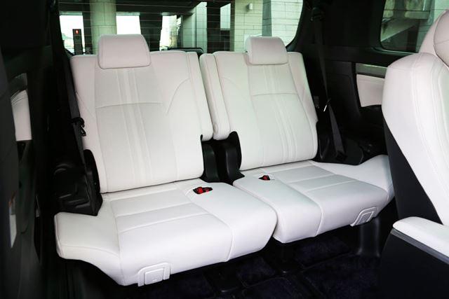 トヨタ 新型「アルファード Executive Lounge S」の3列目シート