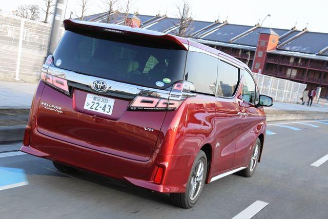トヨタ 新型「ヴェルファイア」試乗・走行イメージ
