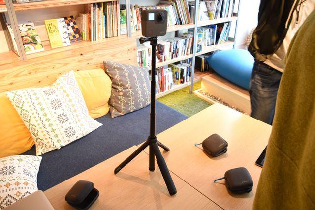 「Fusion Grip」の末端は三脚になっており、定点カメラとして撮影もしやすい