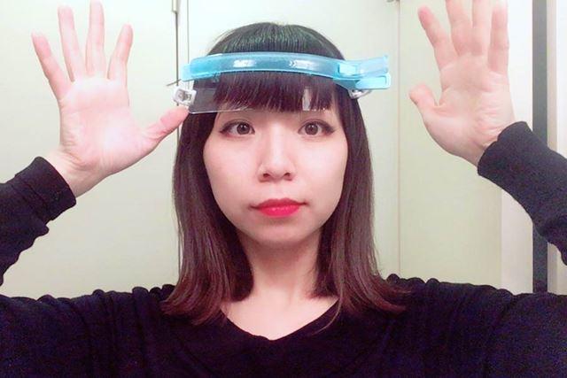 前髪部分をおさえるので、通常のクリップに比べてやや大きいサイズ感です♪