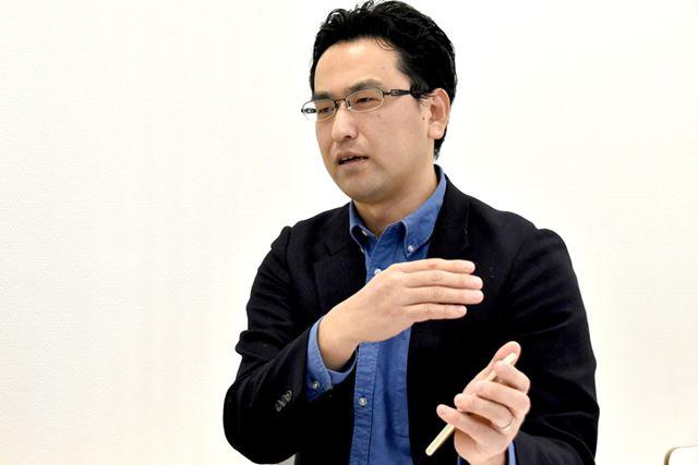 「アプリマーケットからネットサービスへ。スマートフォンの世界も動いている」と佐野氏は語る