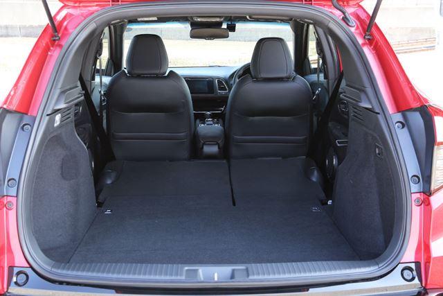 ホンダ 新型「ヴェゼル ハイブリッド RS」のラゲッジルーム