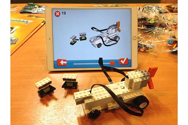 19工程で、イラスト通りのロボット2体を含むすべてが完成!