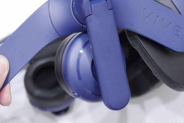 標準装備のヘッドホンは、実勢価格3〜4万円くらいの高級ヘッドホンと同等の品質を備えるとのこと