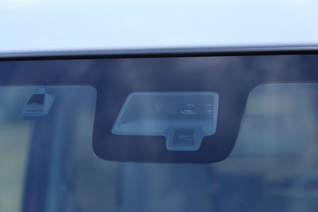 スズキ 新型「スペーシア」に搭載されている「デュアルセンサーブレーキサポート」