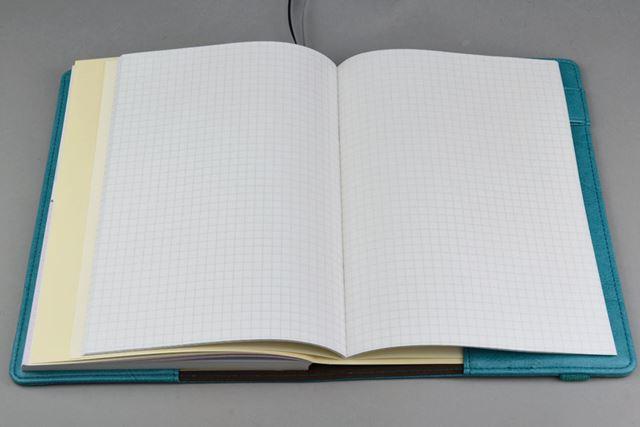 方眼罫の別冊ノートが付属