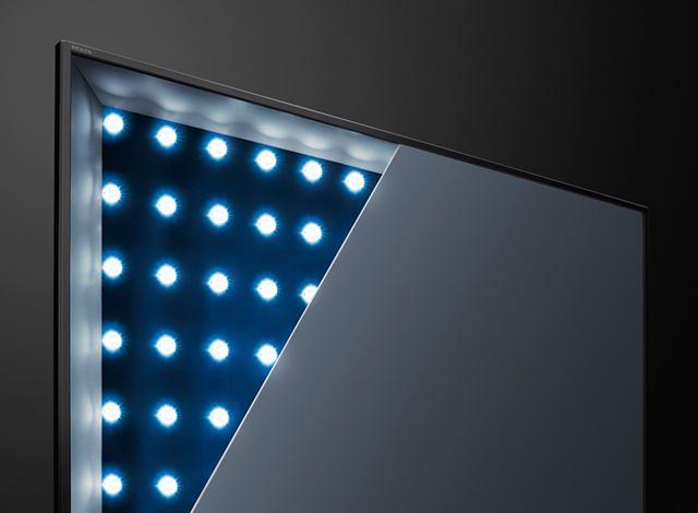 写真は、東芝のREGZAシリーズで採用されている全面直下(直下型)LEDバックライト