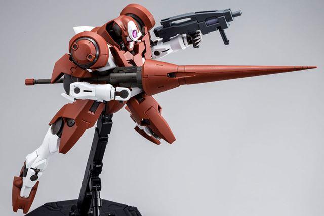 専用武装「GNランス」は新規造形で再現