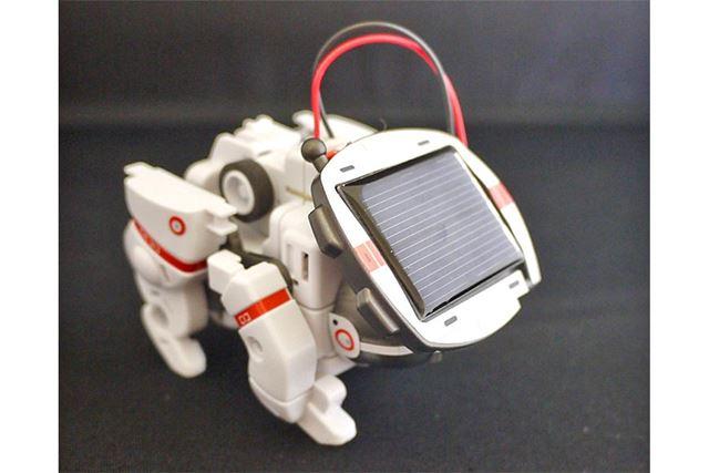 頭をソーラーバッテリーに変更すると太陽エネルギーで動かせます