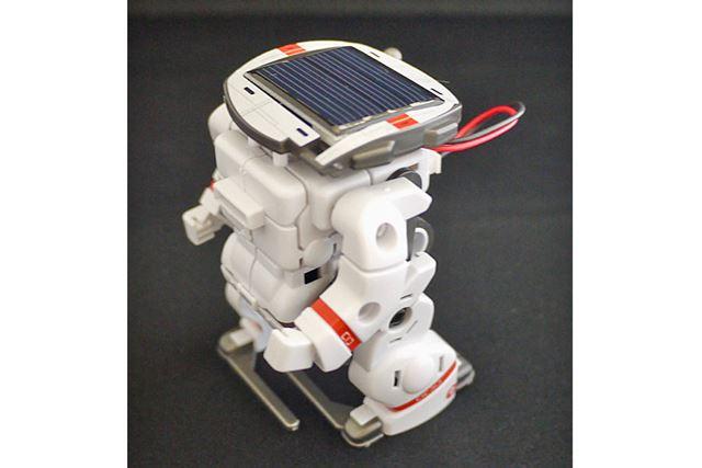ソーラーバッテリータイプにも変形可能