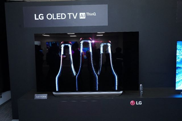 2017年の大ヒットモデル「C7P」の後継にあたる「OLED C8P」。こちらは77/65/55インチの3サイズで展開される
